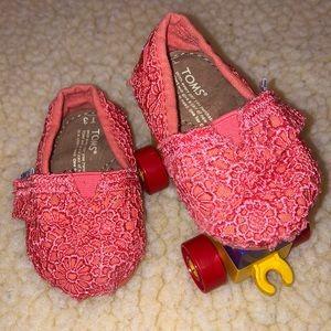 TOMS Crochet Pinto Classics - size T3